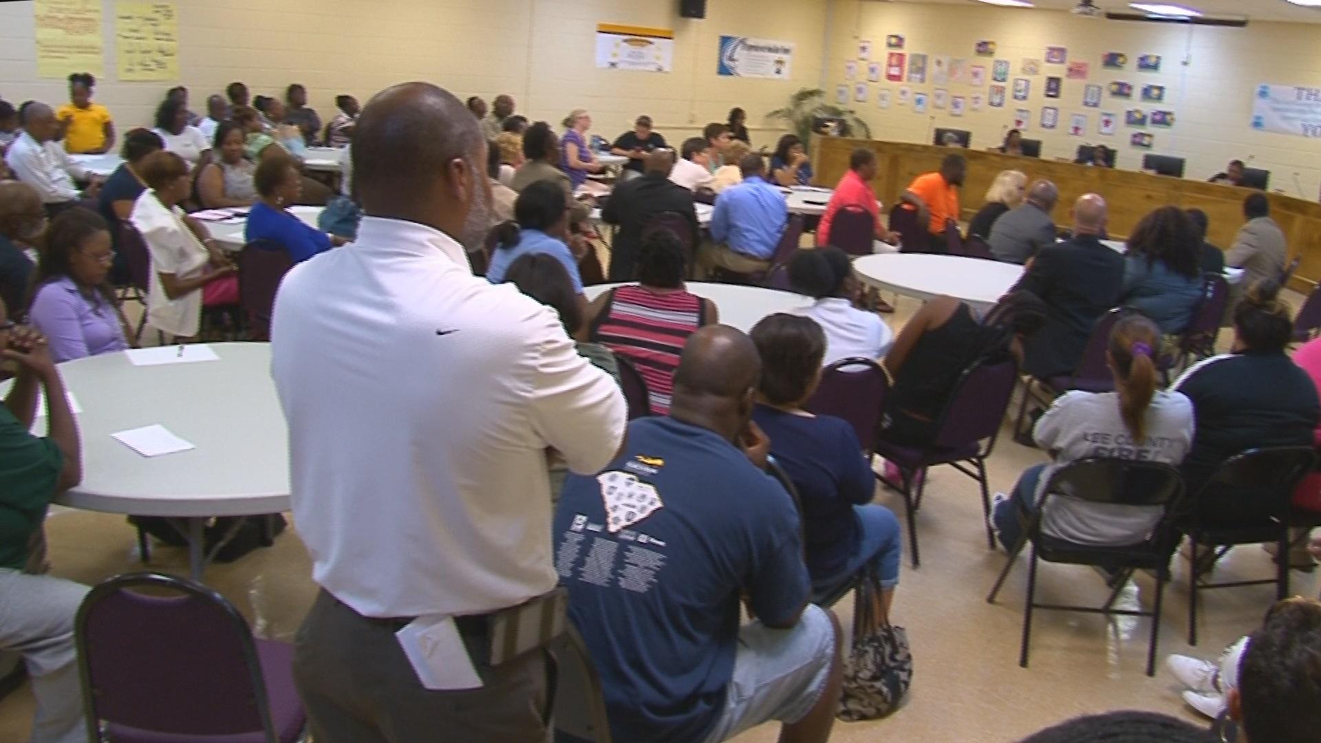 Blue apron hiring - Lee County Has A Shortage Of Teachers Parents Voice Concerns Wltx Com