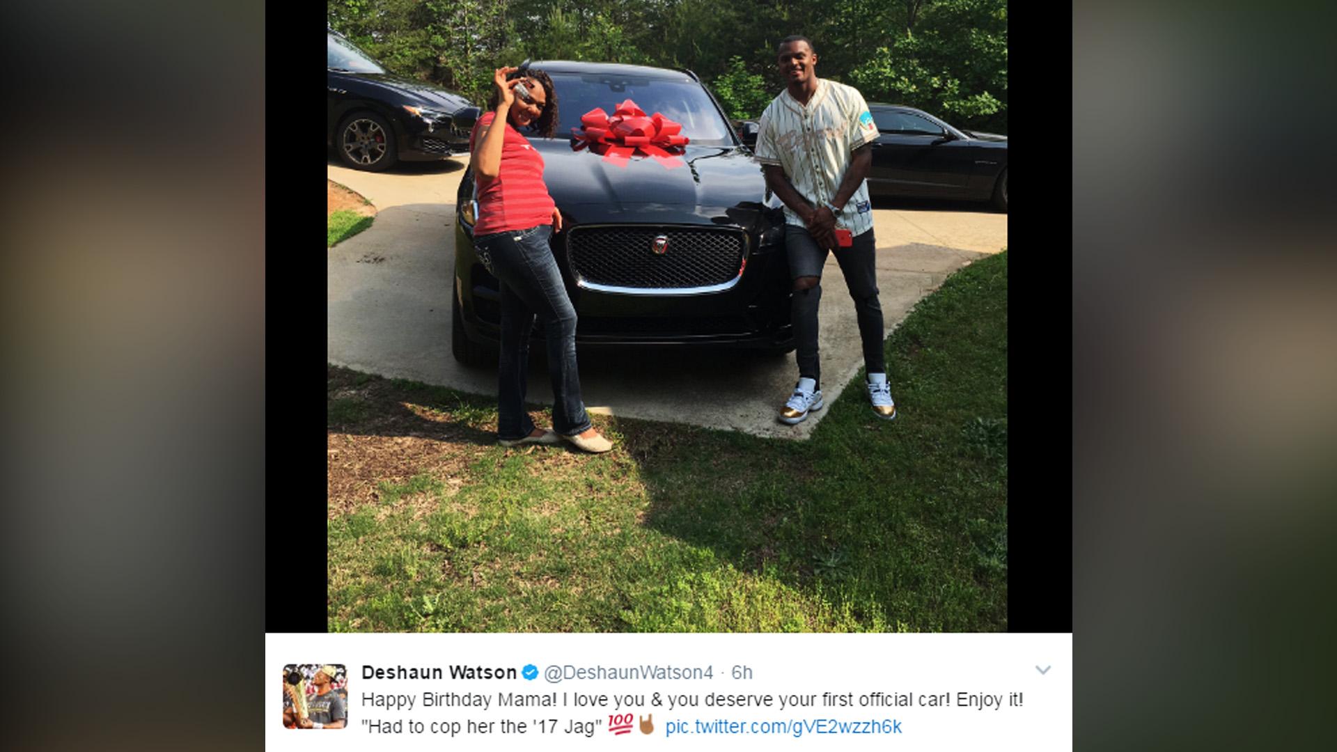 Deshaun Watson Buys Mom Car